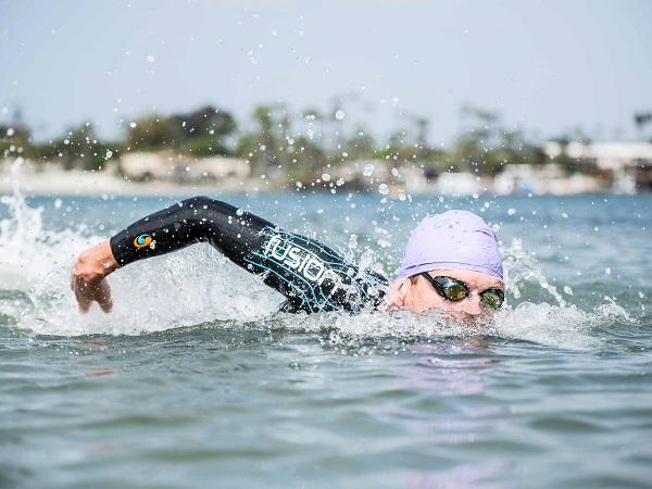 травмы при плаванье, триатлон