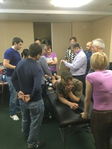 обучение тейпировнаию на семинаре Павла Коломийца