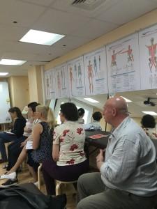 слушатели семинара по тепированию лица и шеи